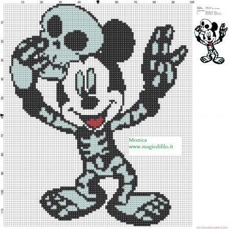 Mickey Mouse no Halloweeen em ponto cruz 02