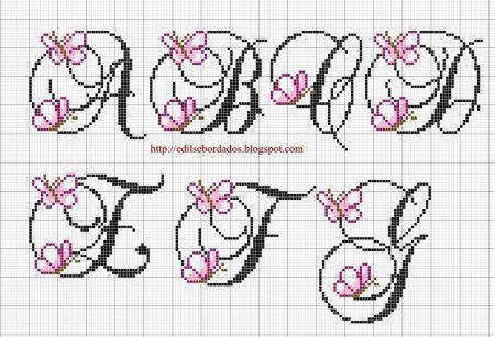 Monograma borboleta delicada pequeno em ponto cruz 1